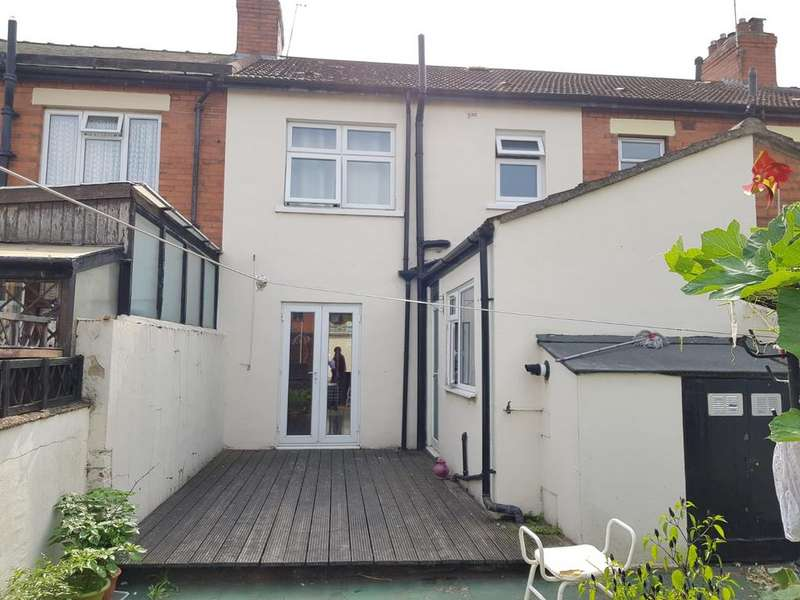3 Bedrooms Terraced House for sale in Ripple Road, Barking, Essex, IG11