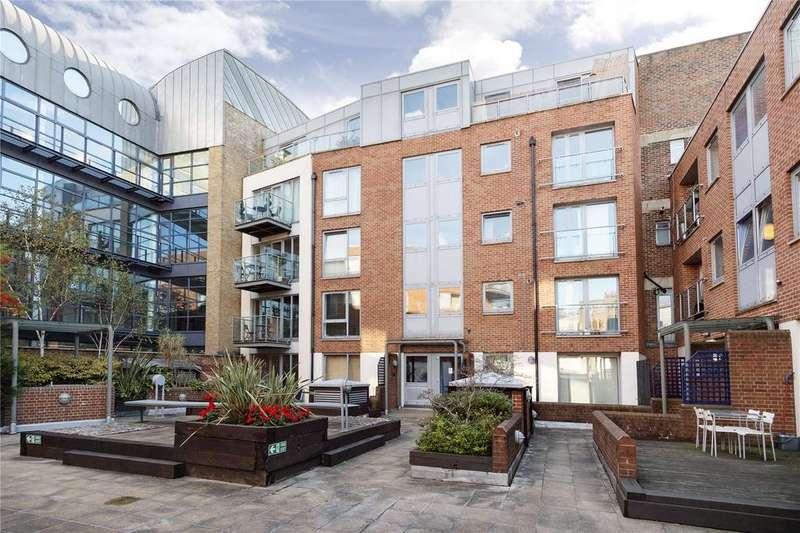 2 Bedrooms Flat for sale in Britton Street, Clerkenwell, London, EC1M