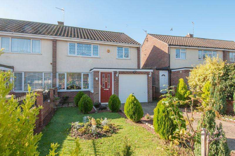 3 Bedrooms House for sale in Chiltern Avenue, Bedford