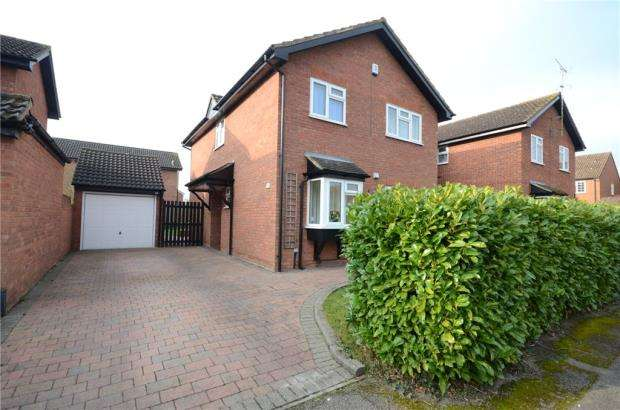4 Bedrooms Detached House for sale in Moor End, Holyport, Maidenhead