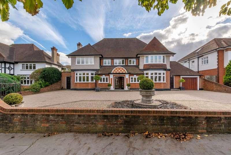 5 Bedrooms Detached House for sale in Grimwade Avenue, Croydon, CR0