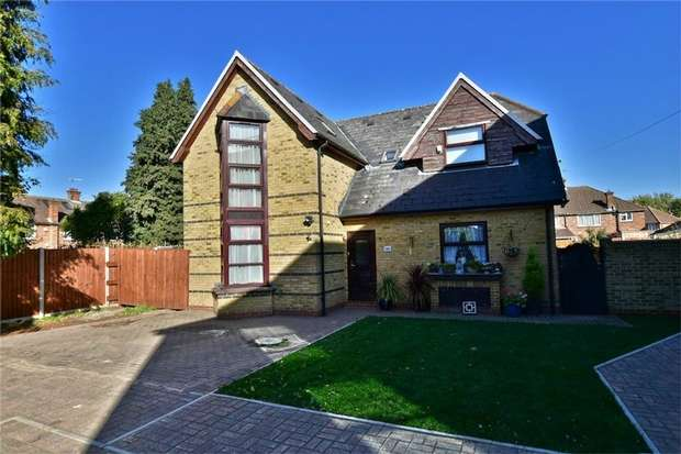 3 Bedrooms Detached House for sale in Raymond Road, Langley