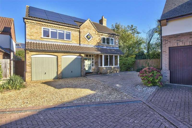 4 Bedrooms Detached House for sale in Hobby Close, Hartford, Huntingdon, Cambridgeshire