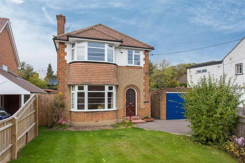 3 Bedrooms Detached House for sale in Treadaway Road, Flackwell Heath
