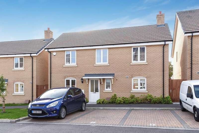 4 Bedrooms Detached House for sale in Sassoon Drive, ROYSTON, SG8