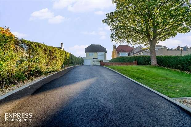 4 Bedrooms Detached House for sale in St Andrews Drive, Skegness, Lincolnshire