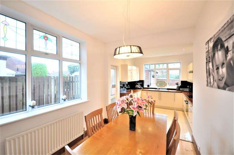 4 Bedrooms Semi Detached House for sale in Warbreck Hill Road, Blackpool, Lancashire, FY2 9UP