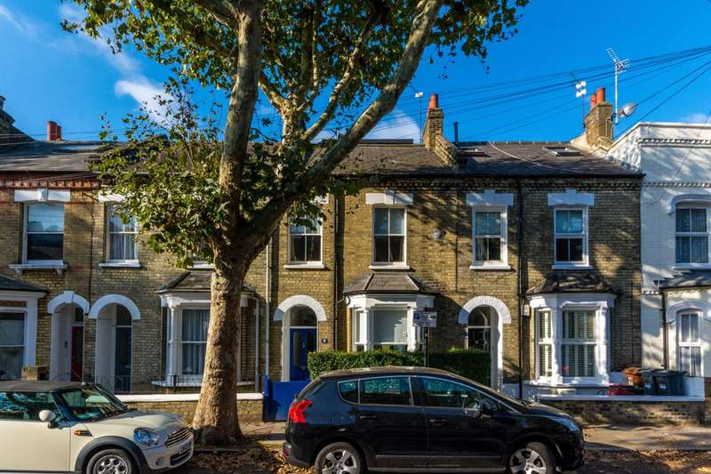 4 Bedrooms House for rent in Elliott Road, Turnham Green, W4