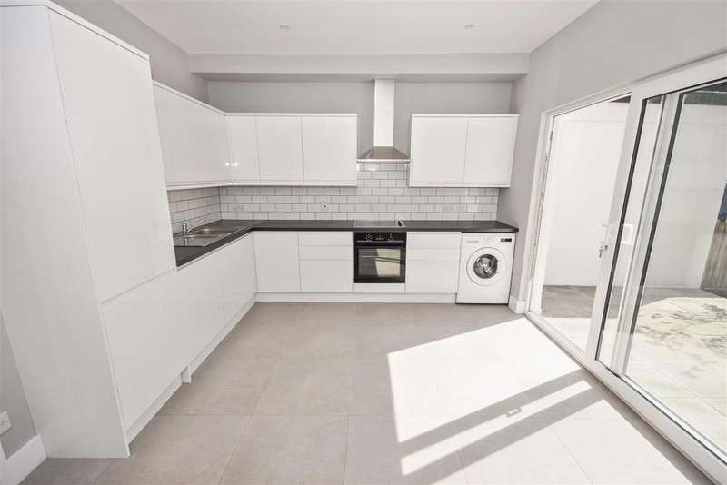 3 Bedrooms House for sale in Edna Road, Raynes Park