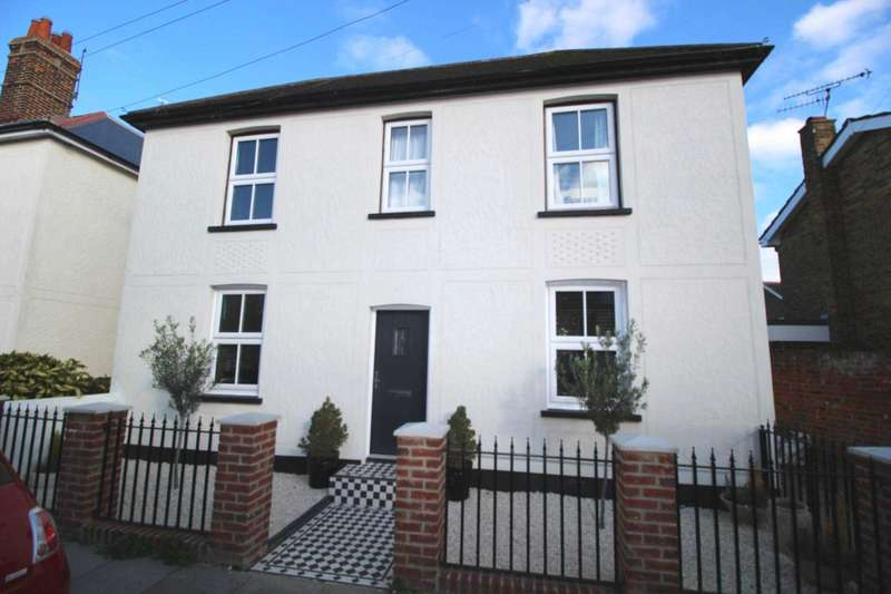 3 Bedrooms Detached House for sale in Kings Street, Maldon