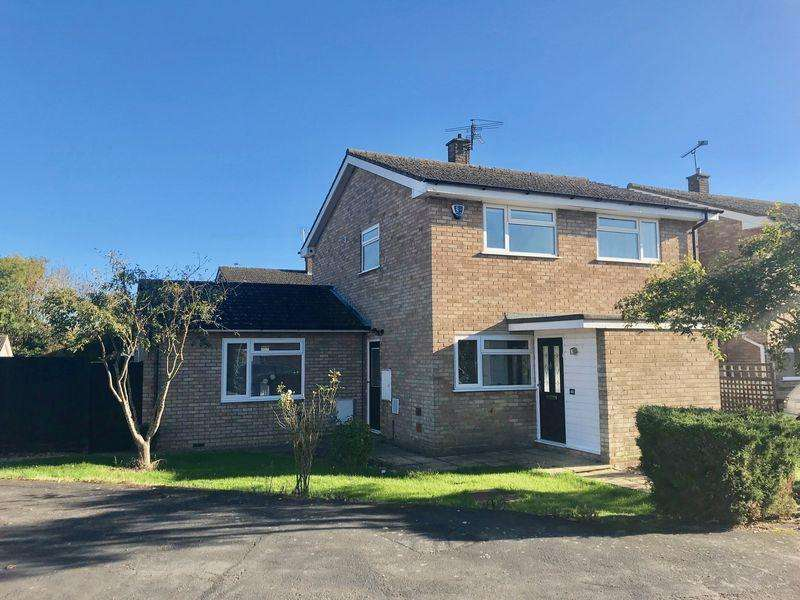 4 Bedrooms Detached House for sale in Maple Way, Kensworth