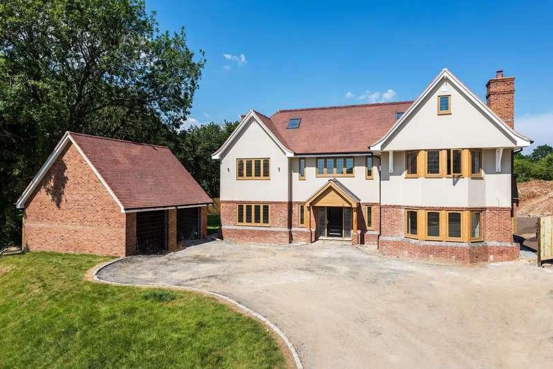 5 Bedrooms Detached House for sale in Tithepit Shaw Lane, Warlingham