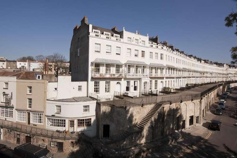 1 Bedroom Flat for sale in Royal York Crescent, Clifton, Bristol BS8 4JW
