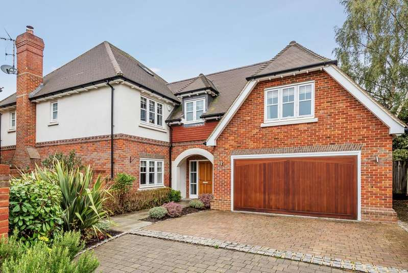 5 Bedrooms Detached House for sale in Beech Hurst Close Chislehurst BR7