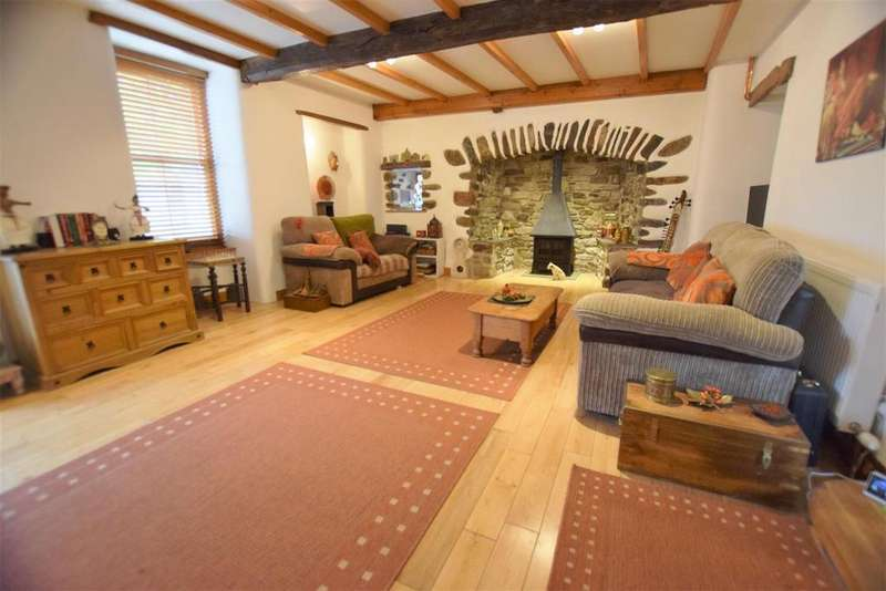4 Bedrooms Semi Detached House for sale in Haverfordwest