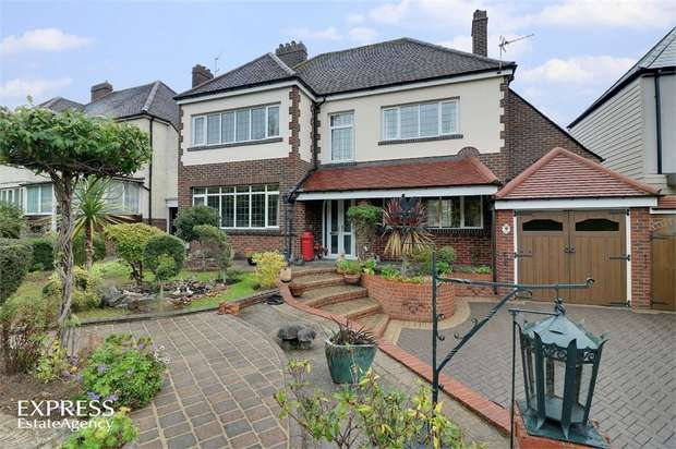 4 Bedrooms Detached House for sale in London Road, Cosham, Portsmouth, Hampshire