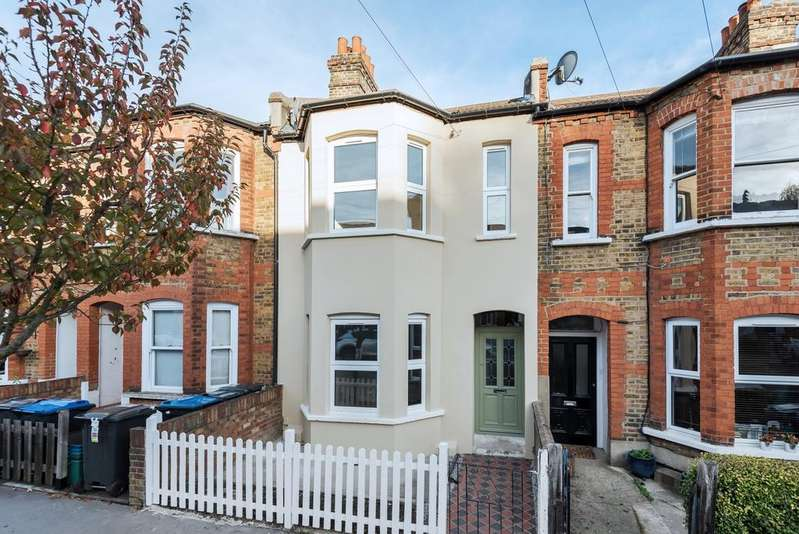 3 Bedrooms Terraced House for sale in Queen Mary Road London SE19