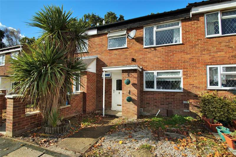 3 Bedrooms Terraced House for sale in Silver Hill, College Town, Sandhurst, Berkshire, GU47