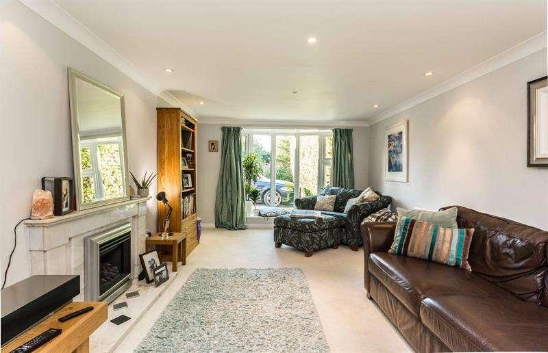 4 Bedrooms Detached House for sale in Brook Lane Warsash