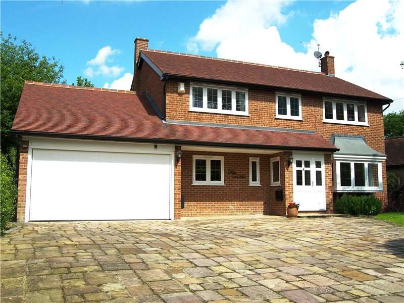 4 Bedrooms Detached House for rent in Hogmoor Lane, Hurst, Berkshire, RG10