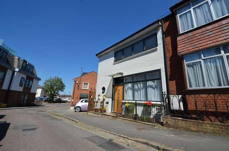 2 Bedrooms House for sale in Granville Street, Aylesbury