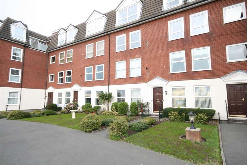3 Bedrooms Apartment Flat for sale in Glengarry, East Beach, Lytham