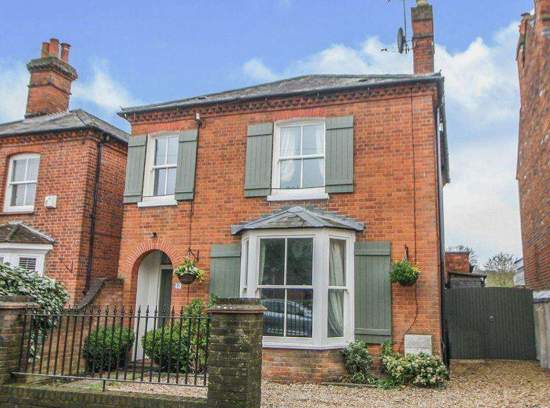 4 Bedrooms Detached House for sale in Central Marlow