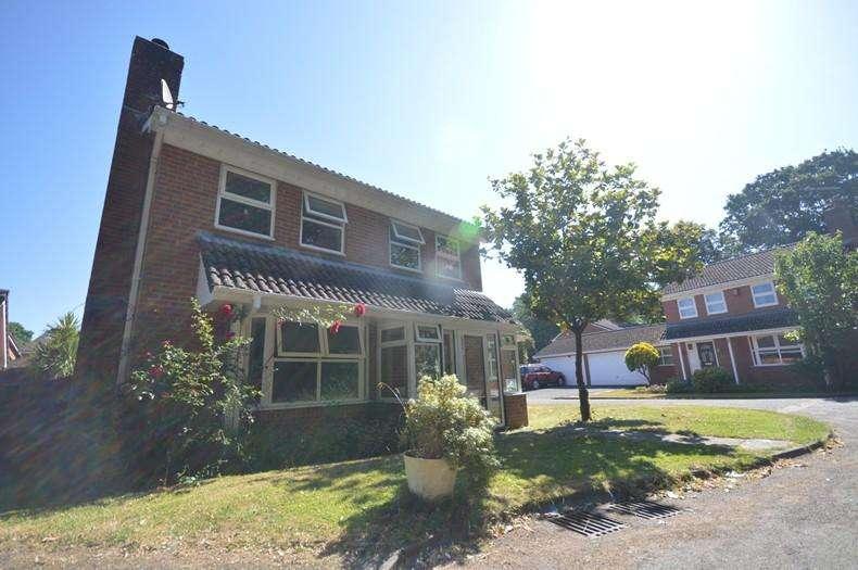 4 Bedrooms Detached House for sale in Ashurst Bridge, SO40