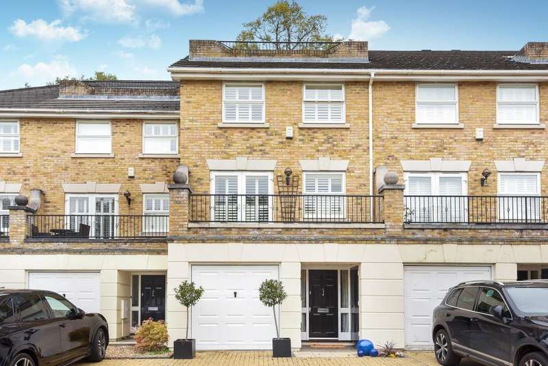 4 Bedrooms House for sale in Penners Gardens, Surbiton, KT6