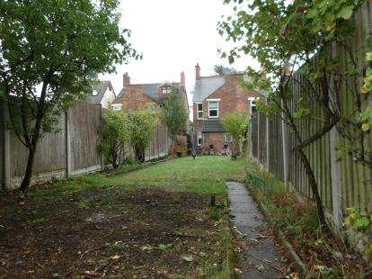 3 Bedrooms Semi Detached House for sale in Ashburton Road, Hugglescote, Coalville