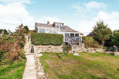 4 Bedrooms Bungalow for sale in Gunnislake, Cornwall, England