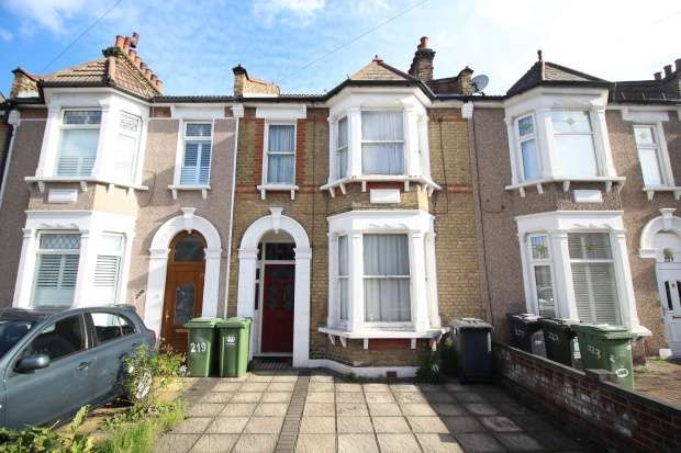 3 Bedrooms Terraced House for sale in Torridon Road, Catford, Greater London, SE6 1RF