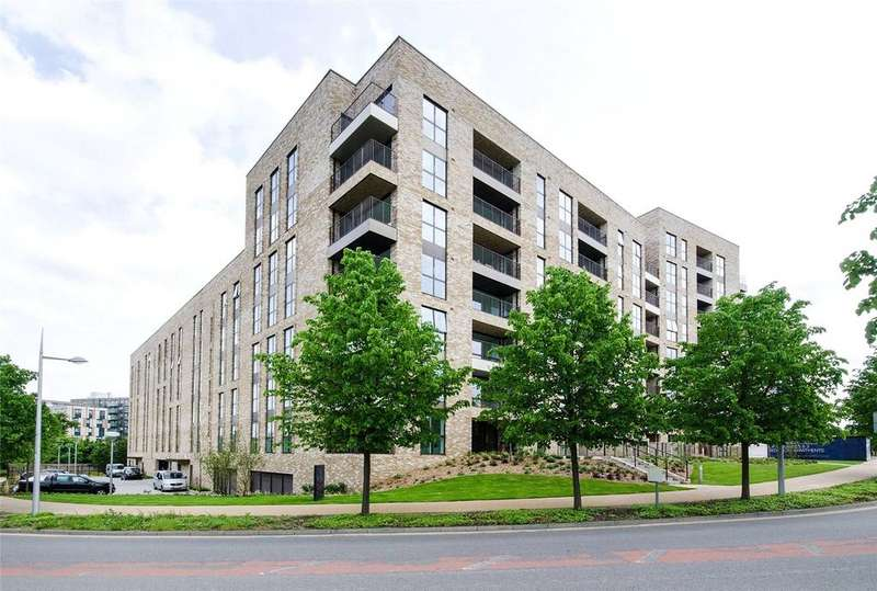 3 Bedrooms Apartment Flat for sale in 4 Lakeside Drive, Park Royal, London, NW10