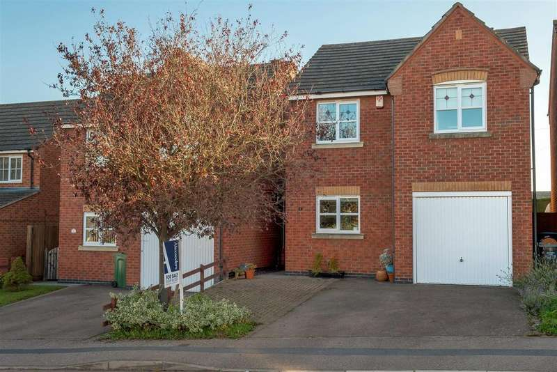 3 Bedrooms Detached House for sale in Crowson Close, Shepshed