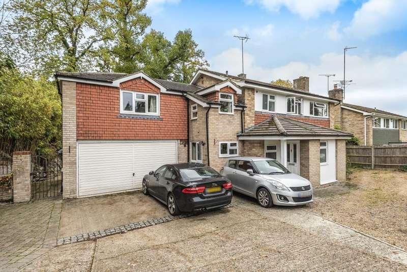 5 Bedrooms Detached House for sale in Camberley, Surrey, Camberley, Surrey, GU16
