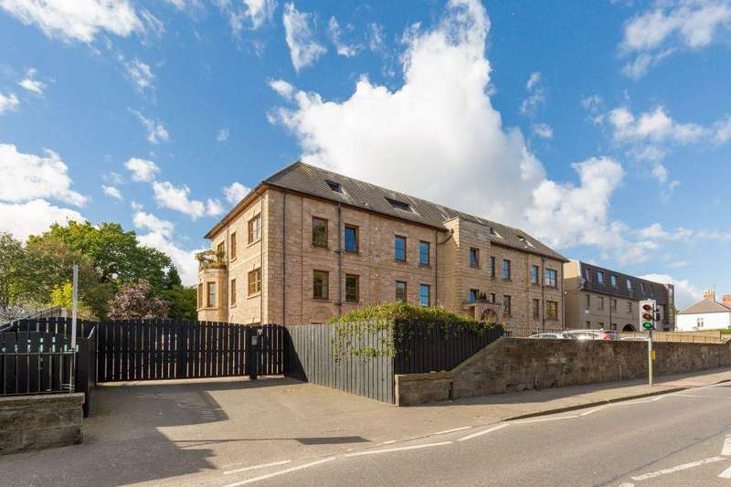 3 Bedrooms Ground Flat for sale in 224/1 Willowbrae Road, Edinburgh EH8 7NG