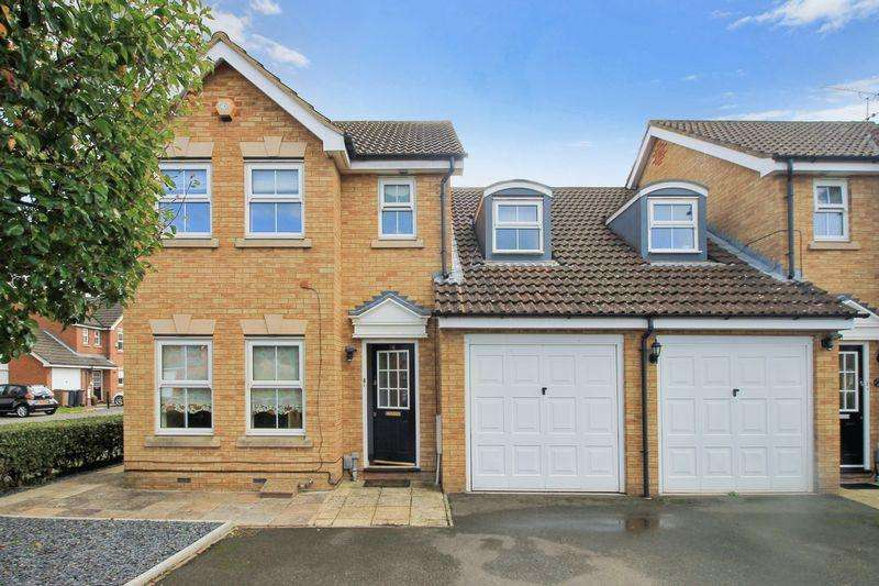 4 Bedrooms Semi Detached House for sale in Wraysbury Close, Luton