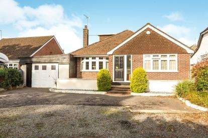 4 Bedrooms Bungalow for sale in Ashurst, Hampshire