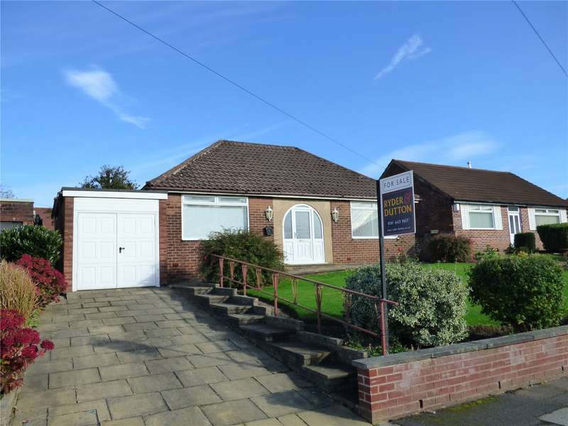 3 Bedrooms Detached Bungalow for sale in Elleray Road, Alkrington, Middleton, Manchester, M24