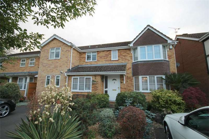 5 Bedrooms Detached House for sale in Chepstow Park, Downend, Bristol