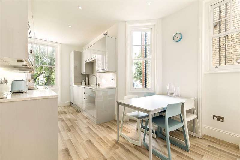 3 Bedrooms Flat for sale in Welbeck Court, Addison Bridge Place, London, W14