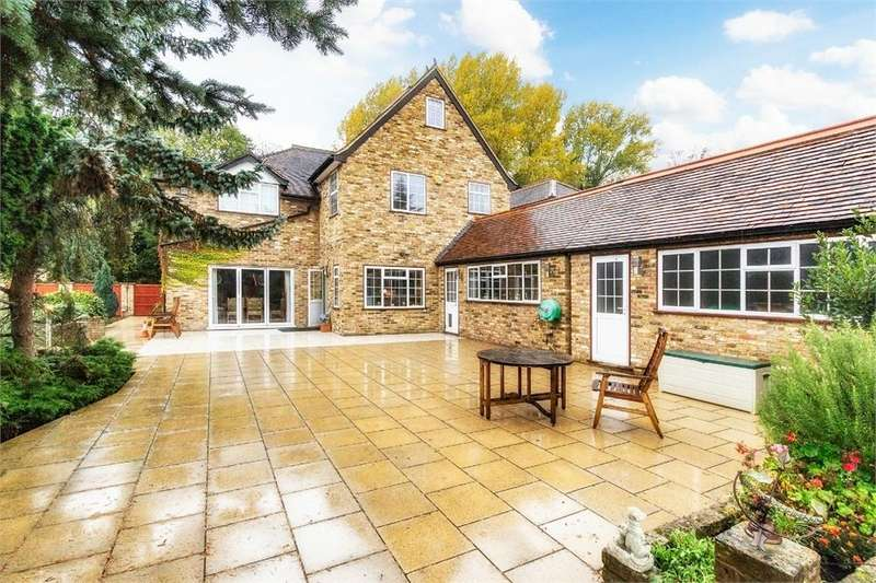 4 Bedrooms Detached House for sale in Cherry Tree Lane, Iver Heath, Buckinghamshire