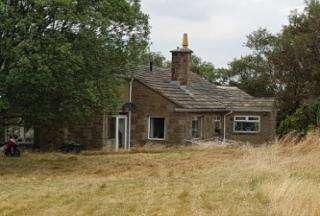 3 Bedrooms Detached Villa House for sale in station road , denelm, Bradford BD15