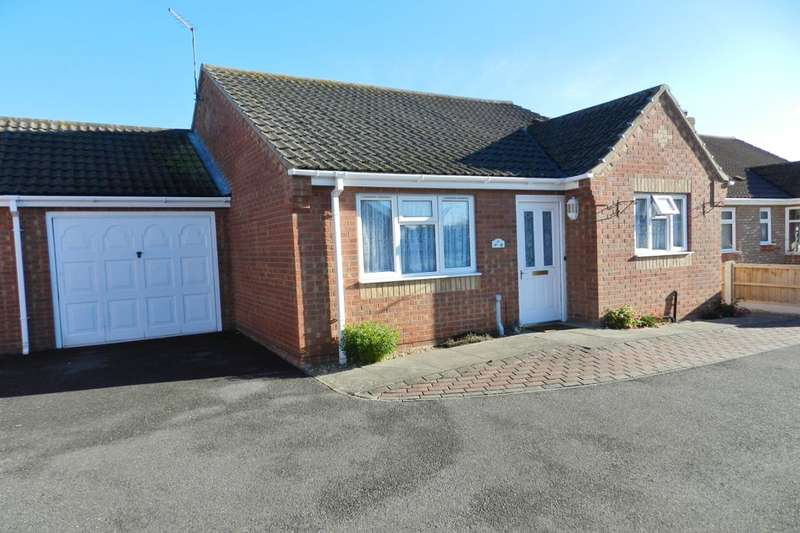 2 Bedrooms Bungalow for sale in Aqua Drive, Mablethorpe, LN12