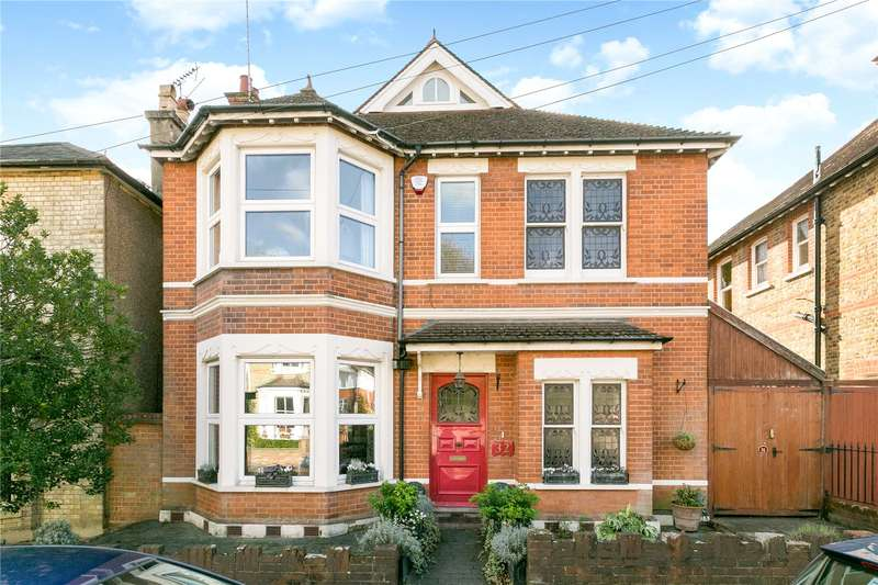 5 Bedrooms Detached House for sale in Essex Road, Watford, Hertfordshire, WD17