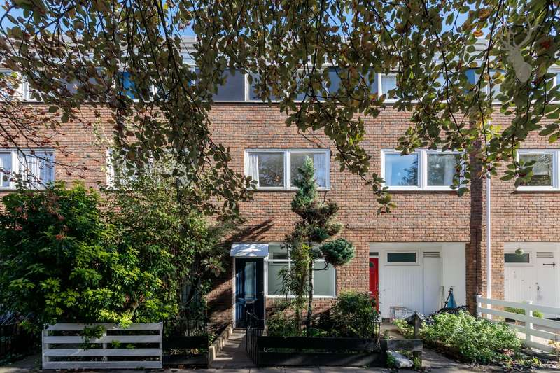3 Bedrooms House for sale in Goldman Close, Shoreditch, E2