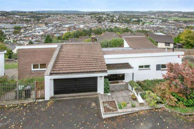 4 Bedrooms Detached House for sale in Courtenay Road, Newton Abbot, Devon