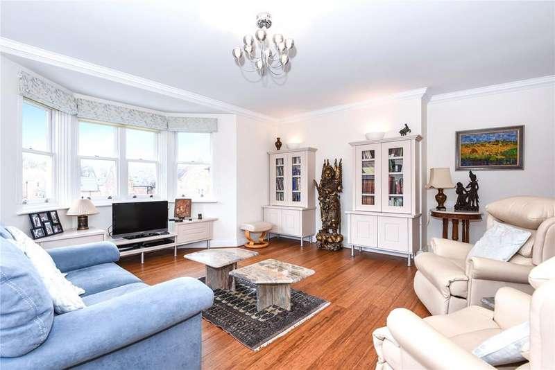 2 Bedrooms Flat for sale in Pemberley Lodge, Longbourn, Windsor, Berkshire, SL4