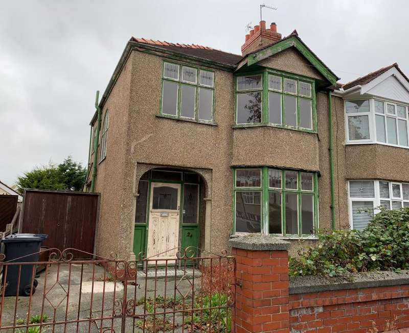 3 Bedrooms Semi Detached House for sale in Newborough Avenue, Crosby, Liverpool, Merseyside, L23 9TX