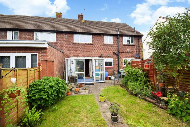 2 Bedrooms Maisonette Flat for sale in Huntercombe Lane North, Slough, SL1